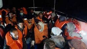 Yunanistanın geri ittiği lastik bottaki göçmenler kurtarıldı