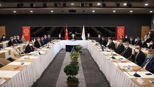 Bakan Koca İstanbuldaki kamu hastaneleri başhekimleriyle buluştu