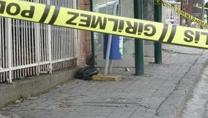 Kaymakamlık önündeki durakta şüpheli çanta, fünyeyle patlatıldı