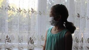 Koronavirüslü komşusu yüzüne tükürdü