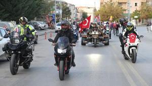 Motosiklet tutkunlarından cumhuriyet kutlaması