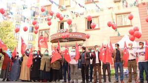HDP önünde evlat nöbeti tutan ailelerden 29 Ekim kutlaması