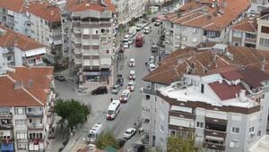 Çınarcıkta 77 araçlık cumhuriyet konvoyu