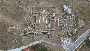 Amorium Antik Kenti ziyarete açılacağı günü bekliyor