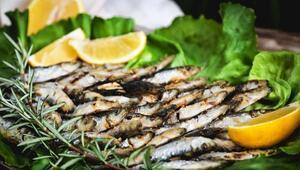 Balık pişirirken kokuyu önlemek meğer çok kolaymış
