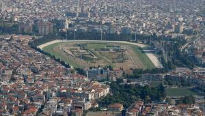 TJK İzmirdeki depremin ardından Şirinyer Hipodromunu halkın kullanımına açtı
