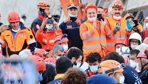 İzmirde son dakika gelişmesi: Enkazdan saatler sonra bir kişi daha kurtarıldı