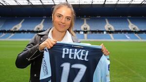 Milli futbolcu Melike Pekel, Le Havreye transfer oldu