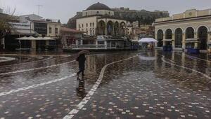 Atina'da ikinci dalga alarmı