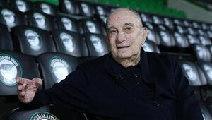 Yalçın Granit kimdir, nereli ve kaç yaşında öldü Türk basketbolunun efsane ismi Yalçın Granitin hayatıyla ilgili bilgiler.