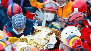 3 yaşındaki Elif 65 saat sonra enkazdan sağ çıkarıldı