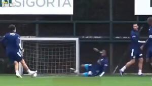 Luiz Gustavo, Ferdi Kadıoğluna geçit vermedi