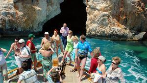 Aşıklar Mağarası turistlerin ilgi odağı