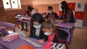 Mardinde 950 öğrenciye kırtasiye ve kıyafet