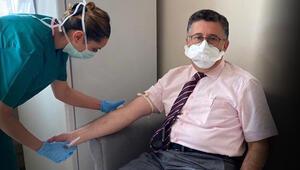 Son dakika haber: Koronavirüs aşı gönüllüsü profesörden çarpıcı sözler: Aşı karşıtı kampanyalar suç, cezası olmalı