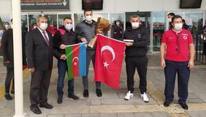Karabağ, Sivasta Çırpınırdı Karadeniz şarkısıyla karşılandı