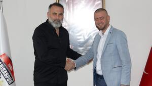 Son dakika   Manisaspor'da Bülent Ataman dönemi resmen başladı