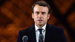 10 Fransızdan 7si Macrona güvenmiyor