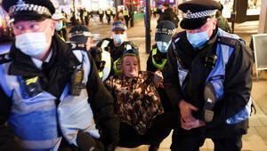 Karantina protestosunda 104 gözaltı