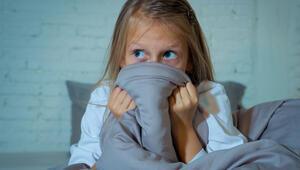 Çocuklar deprem travmasından nasıl korunur