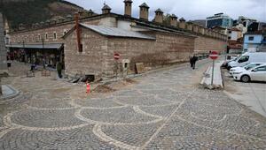 Tokatta tarihi sokaklarda yol ve kaldırım çalışması