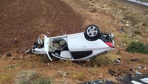 Hilvanda otomobil şarampole devrildi: 2 yaralı
