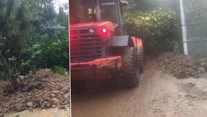 Rizenin Çamlıhemşin ilçesinde heyelan nedeniyle köy yolu kapandı
