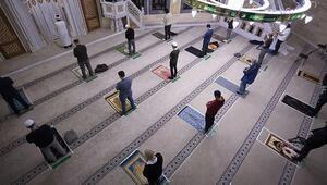 Almanyada camiye çirkin tehdit