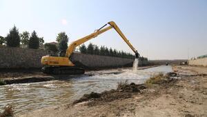 Ankara Çayı'ndan 80 kamyon çamur