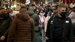 Mısır Çarşısında dikkat çeken kalabalık Dronla koronavirüs uyarısı yapıldı...