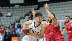 Beşiktaş: 84 - Empera Halı Gaziantep Basketbol: 81