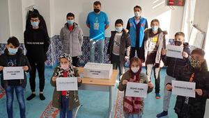Almanya'da çocuklardan depremzedelere yardım