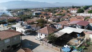 Alaşehirdeki bir mahalle bir takım koronavirüs tedbiri alındı