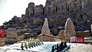 Nemrut Dağı zirvesinde tarih satranç ile buluştu