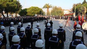 Foçada Atatürk törenle anıldı