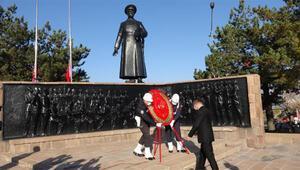 Erzurumda Atatürk törenle anıldı