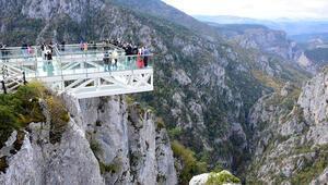 Dünyanın en derin ikinci kanyonuna cam yürüyüş köprüsü yapılacak
