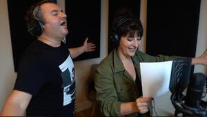 """""""İyi aile babası"""" için stüdyoya girdiler Çağlar Çorumlu ve Şebnem Bozoklu rap söyledi"""