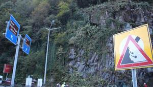 Kaya düşmesi tehdidi altındaki ilçeye çelik ağlı önlem
