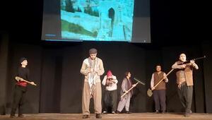 Atatürkün hayatı sahnede