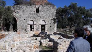 Beçin Antik Kentinde toprak altındaki eserler gün yüzüne çıkıyor