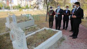 Sivasta Aydoğan Mezarlığında çevre düzenlemesi