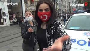 Taksimde maske takmadıkları için ceza yiyen kadınlar, gazetecilere saldırdı