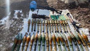Vanda, PKKya ait silah ve mühimmat ele geçirildi