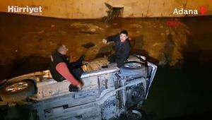 Kanala uçtukları aracın üzerinde yardım beklediler