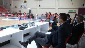 TBF Başkanı Hidayet Türkoğlu, A Milli Kadın Basketbol takımını takip etti