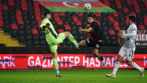 Son Dakika Haberi | PFDK cezaları açıklandı Beşiktaşta Ersin Destanoğluna 2 maç ceza