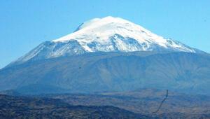 Türkiyenin çatısı Ağrı Dağı resmi tırmanışa açılıyor