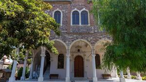 Görüntüsüyle büyüleyen Aziz Vukolos Kilisesi Kültür Merkezi
