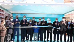 Koronavirüsten ölen hayırseverin yaptırdığı kültür merkezi açıldı